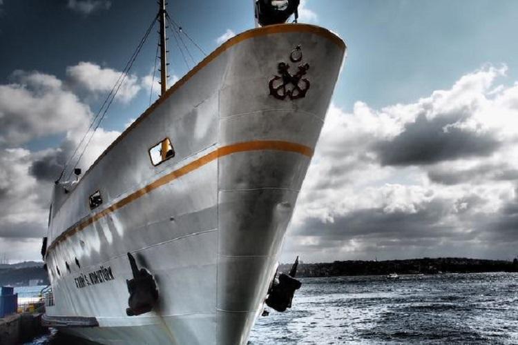 Ship hits fishing boat off Kerala coast