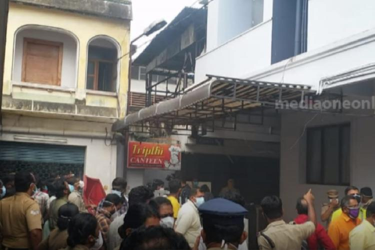 Crowd in front of SP Fort hospital