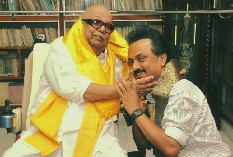 #JustIn: Kaliagnar M. Karunanidhi Passes Away At 94