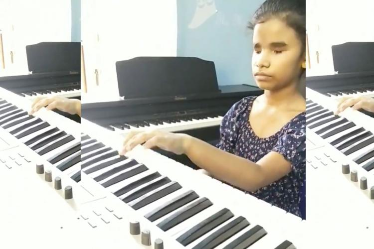 Sahana Nirenkumar plays the piano