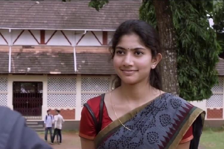 From Unnimaya to Malar Miss 8 smashing heroine entry scenes in Malayalam cinema