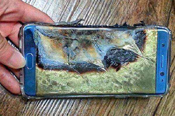 Samsung faces lawsuits as battery woes continue