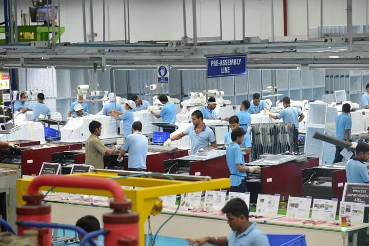 Samsung launches world's largest mobile phone factory in India