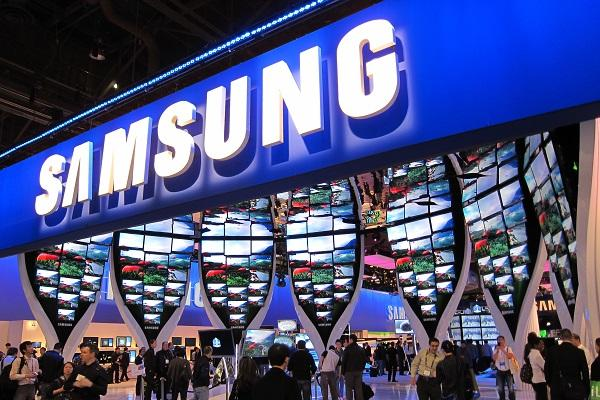 Samsung cuts manpower for the first time in seven years headcount down by 52 pc