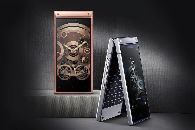 Samsung launches high-end flip phone W2019 with dual display