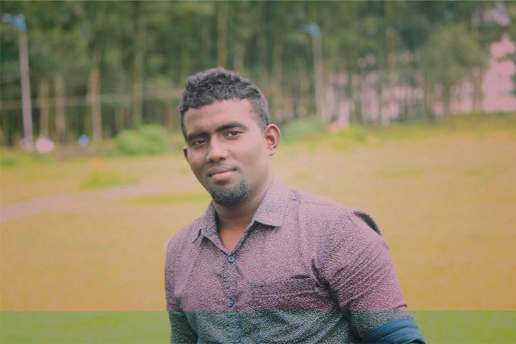This aspiring Kerala footballer is now paralysed you can help him build his house