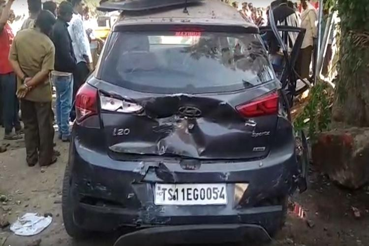 Three men killed as drunk driver crashes car into tree in Hyderabad