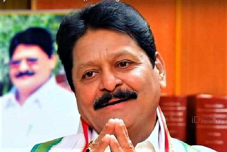 Congress leader Sarve Satyanarayana booked for abusing a Telangana collector
