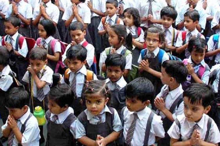 470 lakh Indian students drop out by 10th standard