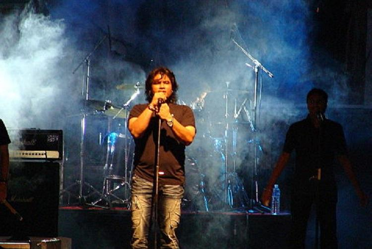 Pakistani singer Shafqat Amanat Ali show cancelled a week ago but VHP didnt get the memo