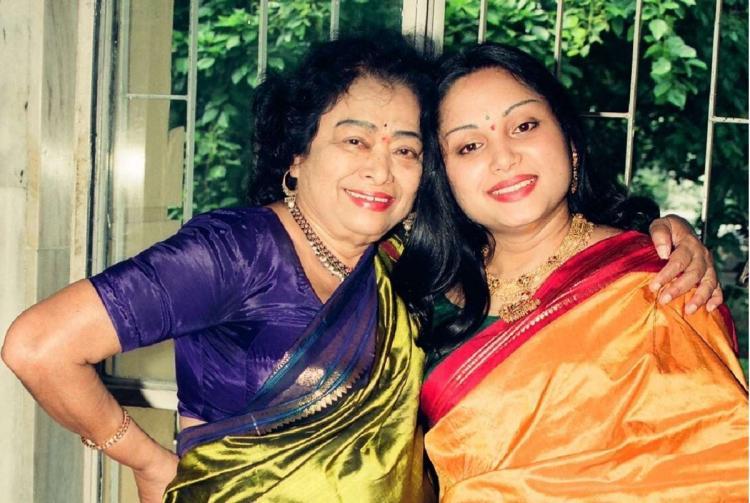 Mathematician Shakuntala Devi with her daughter Anupama Banerji