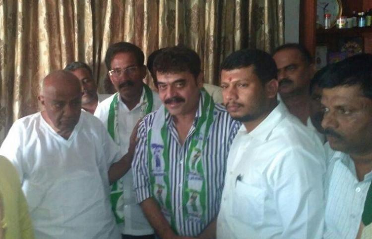 Actor and former MP Shashi Kumar rejoins JDS