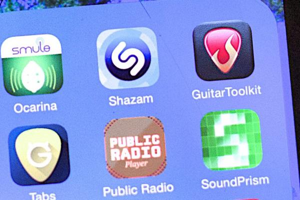Apple looking to acquire music recognition app Shazam for 400 million