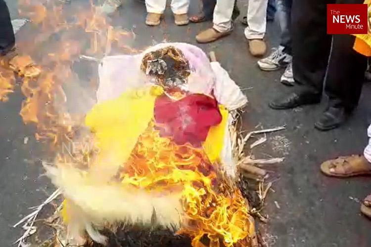 Protests in Ktaka as Shiv Sena activists stop screening of Kannada film in Maharashtra