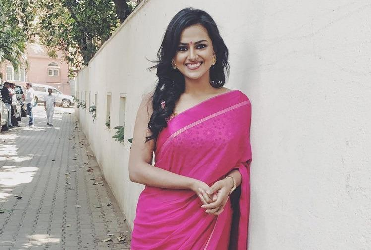 Shraddha Srinath all set to work with Nivin Pauly Mani Ratnam