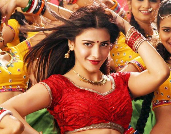 Shruti Haasan leaves crew stunned with her dance moves in Telugu remake of Premam