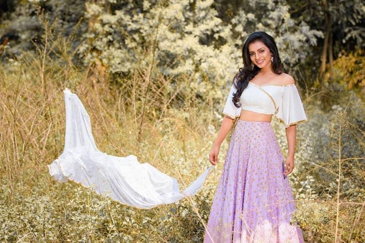 Actor Sruthi Hariharan announces pregnancy on Instagram
