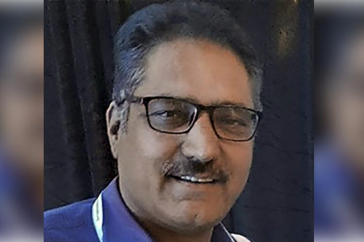 Thousands bid tearful adieu to slain Rising Kashmir editor Shujaat Bukhari