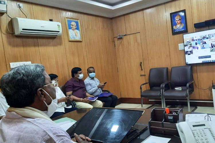Former CM Siddaramaiah taking part in the virtual all-party meeting