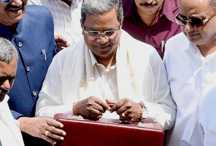 It was a power-cut not the Opposition which interrupted Siddaramaiah during the budget