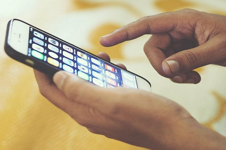Smartphone screens harbour more germs than a toilet seat Study