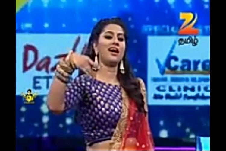 Actor Sneha does the Kabali da dialogue and nails it
