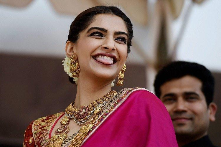 Dont believe in cosmetic treatments dont judge those who undergo them Sonam Kapoor