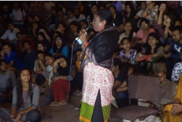 Video Soni Sori speaks at JNU says that tribals in Bastar also want Azadi