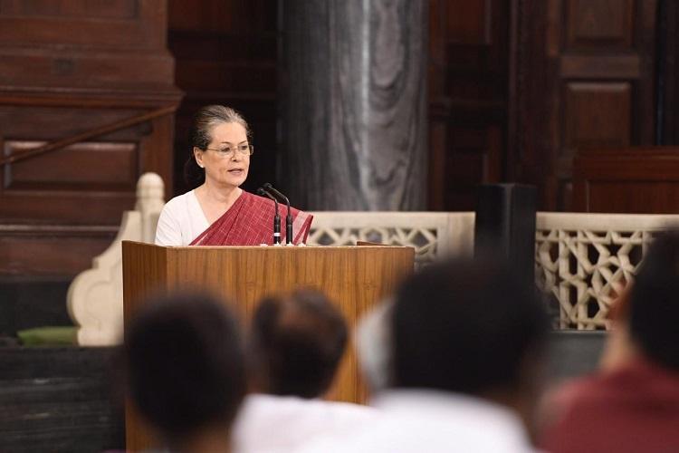 Watch Sonia Gandhi demands Amit Shahs resignation
