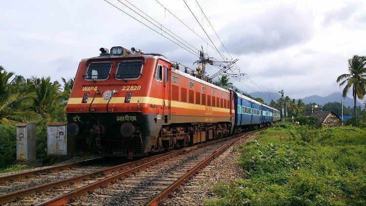 Finally Southern Railways begins issue of unreserved tickets in Tamil