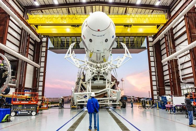 Elon Musks SpaceX to lay off 10 per cent of workers as it tackles expensive projects