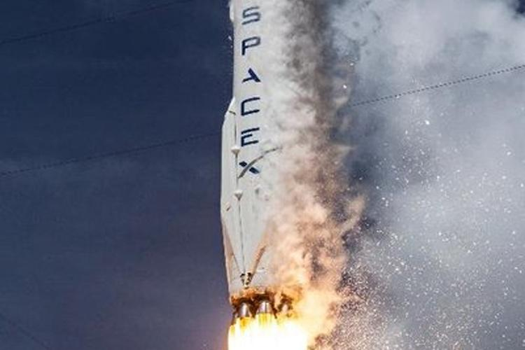 Elon Musks SpaceX to announce first tourist to Moon