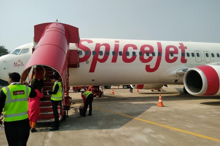 Passengers boarding SpiceJet flight