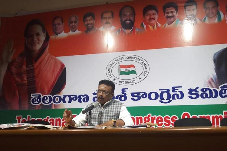 Congress accuses TRS govt of violating privacy of citizens through Samagra Vedika
