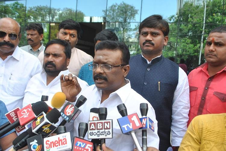Telangana Congress leader lodges police complaint against fake message on his exit