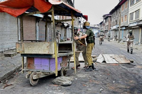 Kashmir violence toll climbs to 23 life paralysed for third day