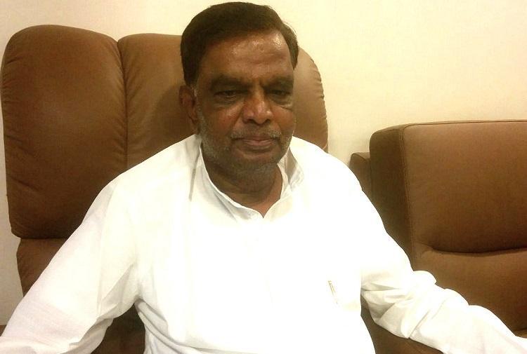 AHINDA fake Siddaramaiah insecure Srinivas Prasad lashes out after leaving Congress