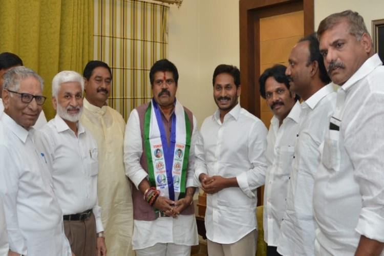 Another blow to TDP Anakapalle MP Srinivas Rao quits party and joins YSRCP