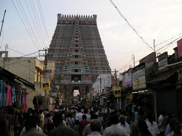 Iyengar sectarianism comes to the fore again in Srirangam one sect to go to court