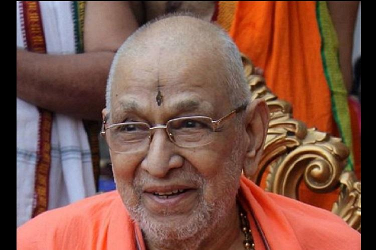 Five things you should know about Sudhindra Theertha the head of the Kashi Mutt