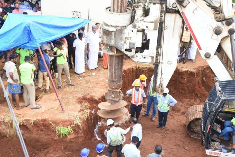 Indian rescuers struggle to save toddler stuck in 26 meter well
