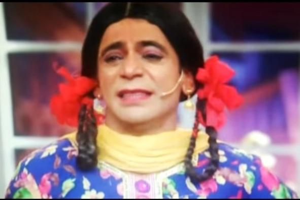 Video Cast bids tearful farewell on last episode of Comedy Nights with Kapil