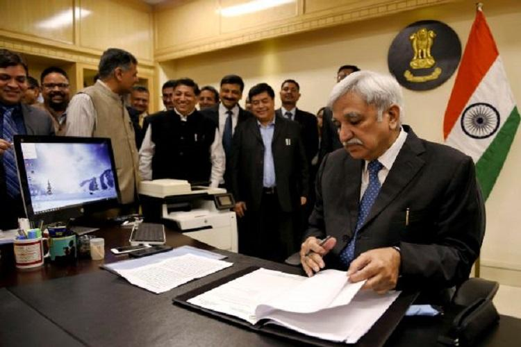 Sunil Arora takes charge as CEC seeks support for 2019 Lok Sabha polls