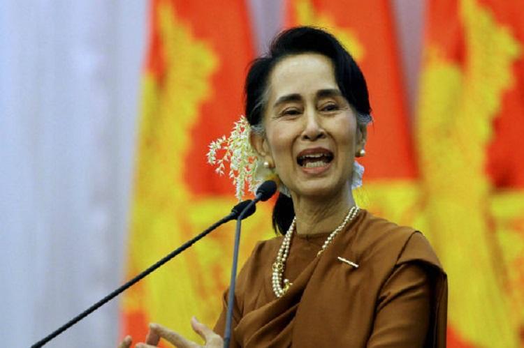 Myanmar police fire warning shots in Rakhine as mob attacks aid boat