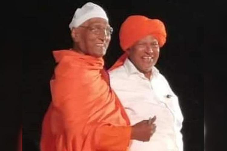 Wearing topi wont make me Muslim Swami Agnivesh exchanges turban with IUML leader