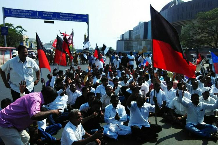 TN bandh live blog Road rokos and protests all over state on Cauvery row