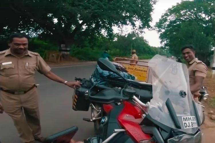TN police stop YouTube vlogger riding BMW bike make a surprising request