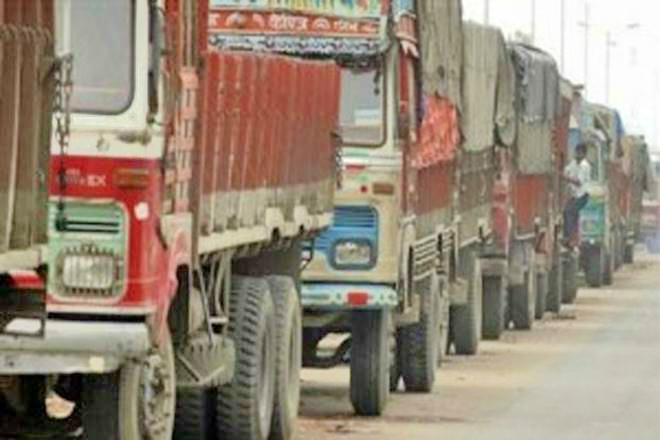 Truckers across India call off indefinite strike after govt agrees to their demands