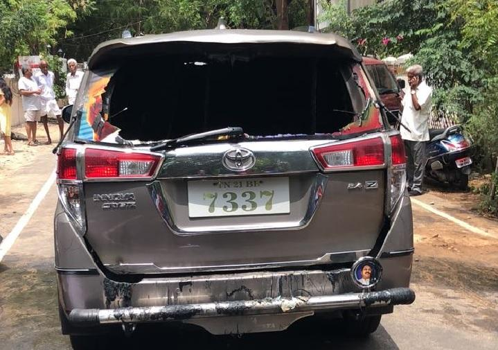 Expelled AMMK man attempts arson outside TTVs house damages own car hurts himself