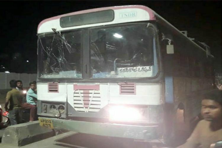 Drunk man hijacks Telangana RTC bus carrying 15 passengers abandons them midway
